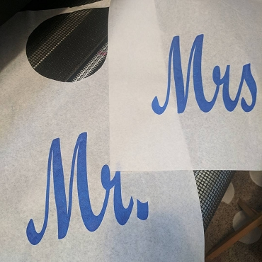 Pair of Cake Cutting Bibs - Mr. and Mrs. - Script